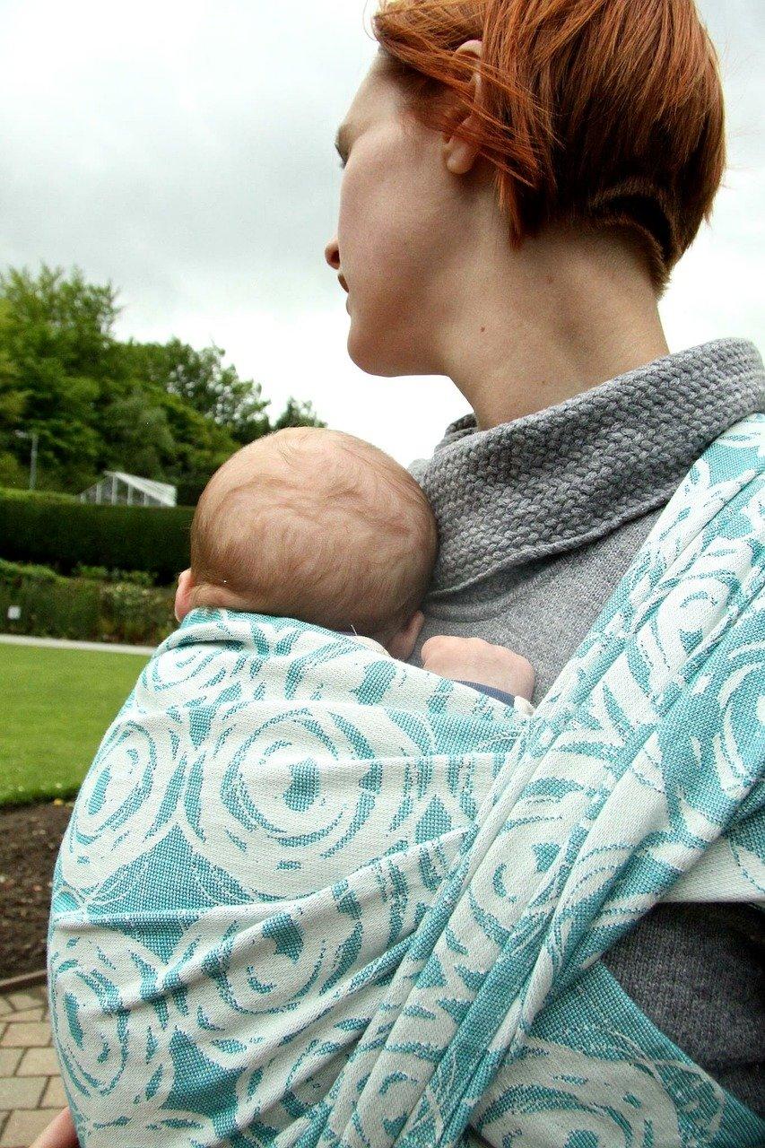 ostéopathe portage bébé